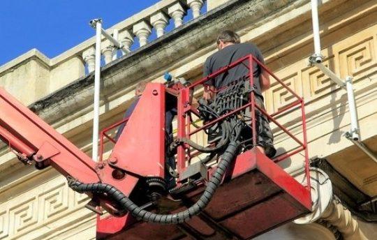 Soda-Blasting-Building-Maintenance-BigStock.jpg